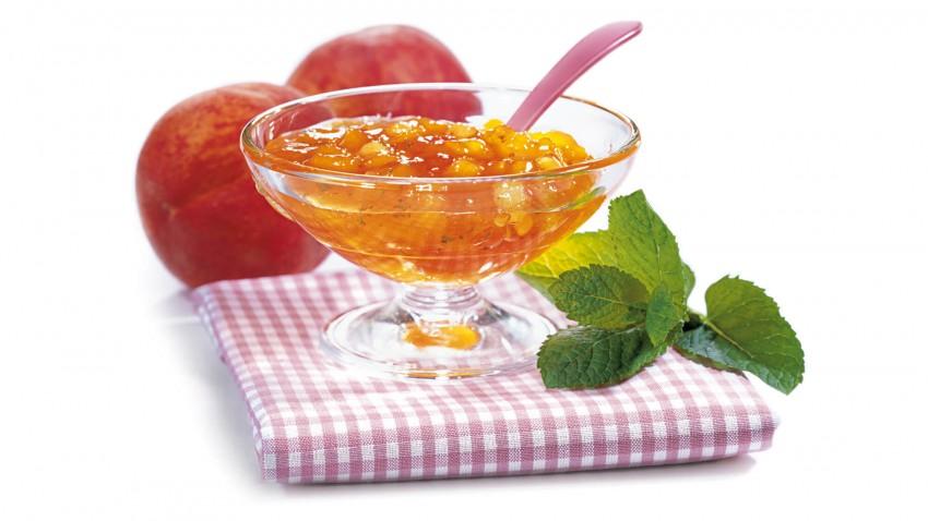 Pfirsichkonfitüre mit Minze