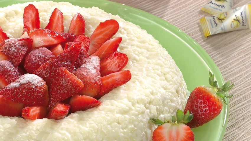 Reis-Savarin mit Erdbeeren