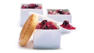 Erdbeer-Johannisbeer-Brotaufstrich mit Gelier Zucker 3plus1