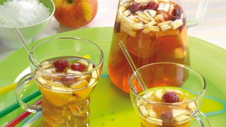 Tee-Früchte-Bowle
