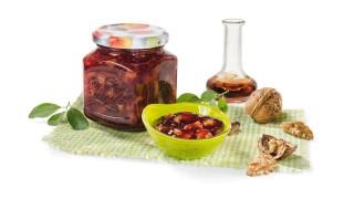 Zwetschgenkonfitüre mit Sherry und Walnüssen mit Gelier Zucker 1plus1