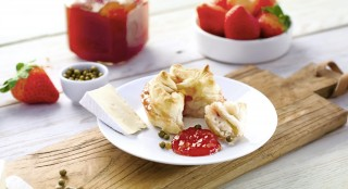 Erdbeere mit grünem Pfeffer mit Gelier Zucker 1plus1