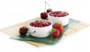 Erdbeer-Kirsch-Brotaufstrich mit Kokosraspel  mit Gelier Zucker 3plus1